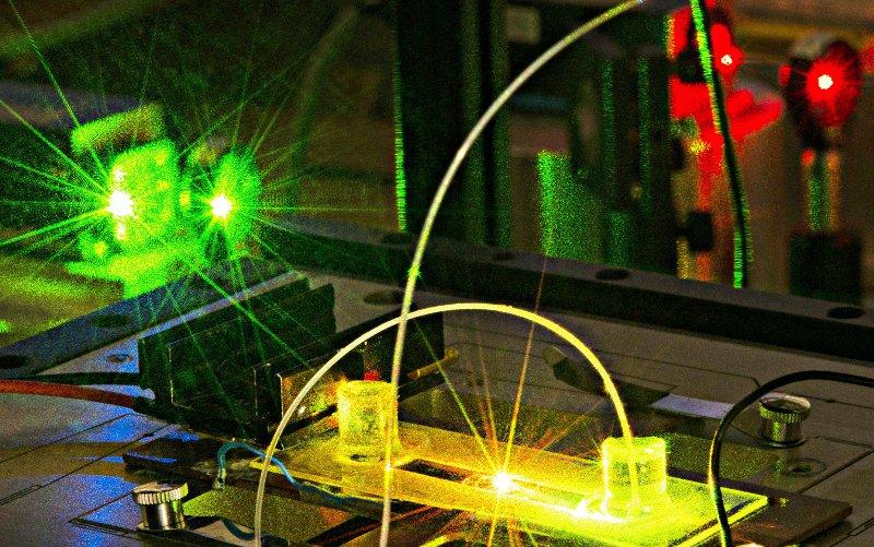 Microscopie de fluorescence au laboratoire Charles Fabry. Crédits : Institut d'Optique Graduate School/C. Hesly